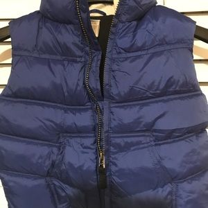 Gymboree.   Down puffer vest with hood